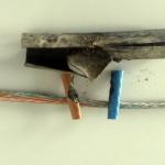 Das beschädigte Stromkabel zu den Seminar-Pavillons (Foto: FH Kiel)