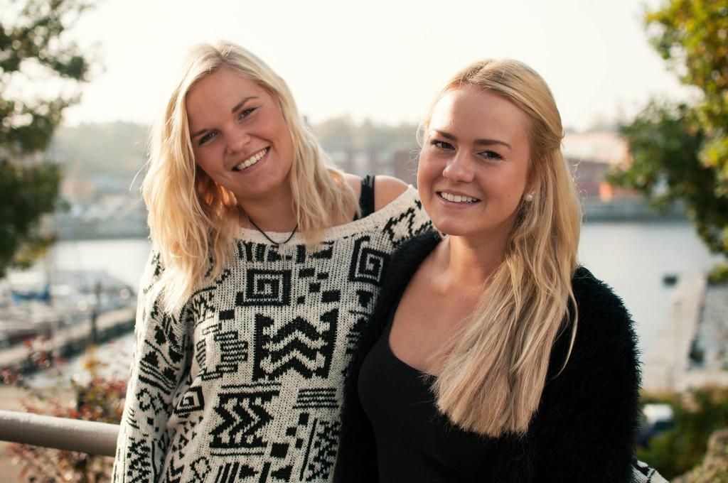 """""""Es war zwar viel Arbeit, doch heute sind Louisa Stach und Sophie Peschke (v.l.) froh die Kick-Off-Week gegründet zu haben."""""""