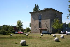 Das Kulturzentrum Bunker-D von außen. (Foto: Marco Brandt, © Fachhochschule Kiel)