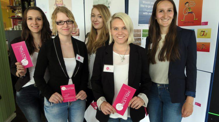Das Team hinter FACETTEN: (v.l.) Clarissa Küpper, Denise Klein, Vivien Thiede, Mara Plesse und Charlotte Müller. (Foto: Paula Loske-Burkhardt)