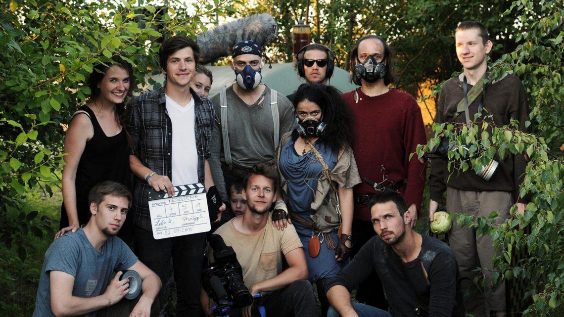 Das Filmteam mit den Schauspielern des Kurzfilms Resistenz. (Foto: Marlena Wels)